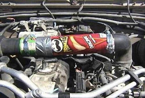 【画像】修理方法が驚異的に雑すぎて、凄いことになってる自動車の数々!!の画像(6枚目)