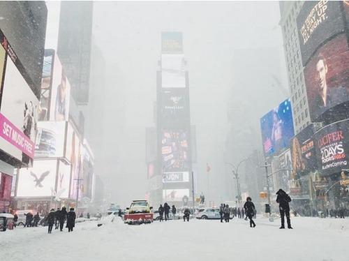 【画像】大雪のニューヨークで日常生活が大変な事になっている様子!の画像(12枚目)