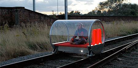 一人乗りの電車の画像(1枚目)