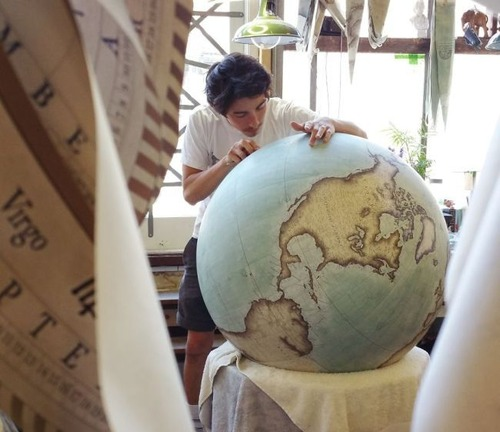 もはや芸術!手作りの地球儀「アトモスフェア」の製作風景が凄い!!の画像(21枚目)