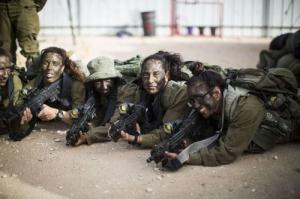 可愛いけどたくましい!イスラエルの女性兵士の画像の数々!!の画像(51枚目)