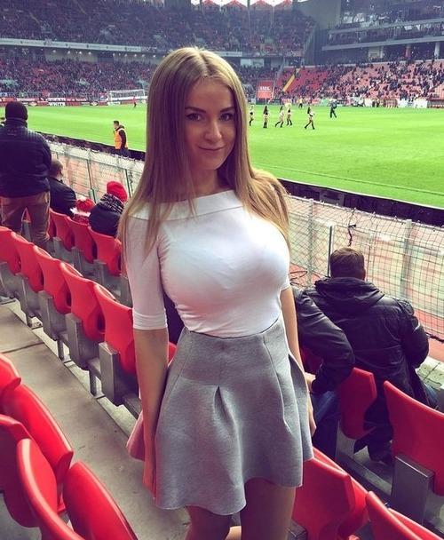 綺麗なサッカーのサポーターのお姉さんの画像の数々!!の画像(36枚目)