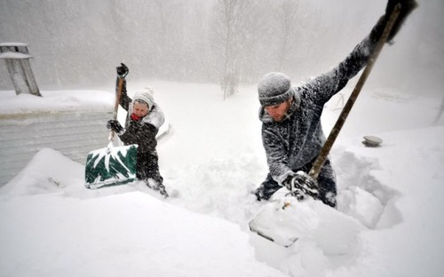 【画像】大雪のニューヨークで日常生活が大変な事になっている様子!の画像(35枚目)