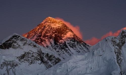 【画像】標高8850m!エベレストの幻想的な風景!!の画像(15枚目)