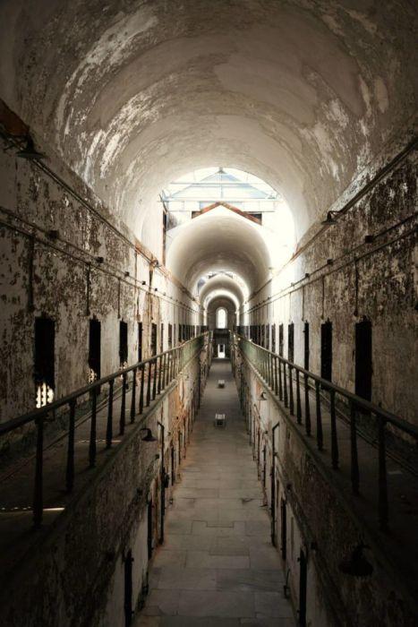 【画像】ペンシルバニアの州立刑務所が不気味で美しい…の画像(2枚目)