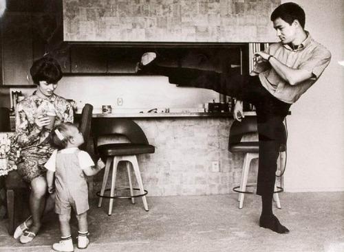 ブルース・リーの幸せそうな私生活の画像の数々!!の画像(1枚目)
