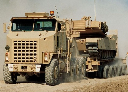 戦車が運べる超大型キャリアカーの画像(11枚目)