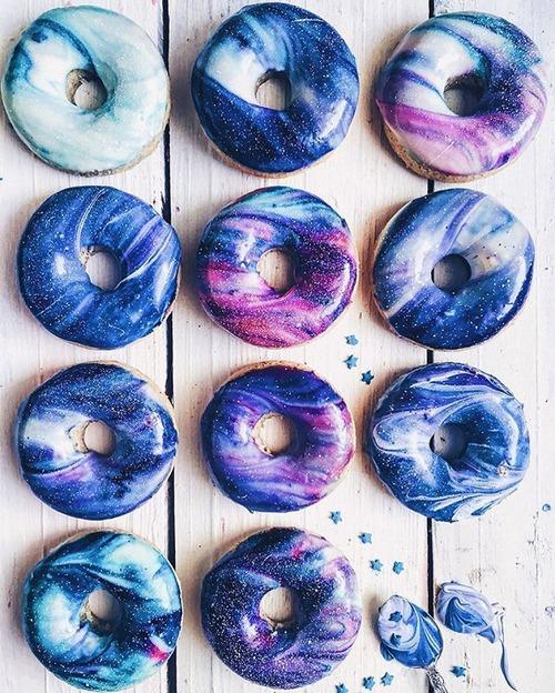 【画像】宇宙を表現したドーナツ!ギャラクシードーナツが美味しそうなのかもしれない!!の画像(6枚目)