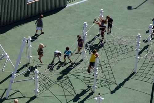 【画像】コペンハーゲンの小学校が子供の秘密基地のよう!!の画像(4枚目)
