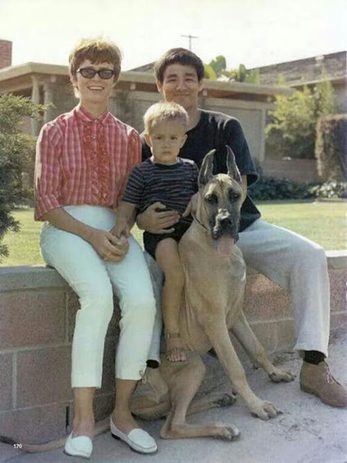 ブルース・リーの幸せそうな私生活の画像の数々!!の画像(22枚目)