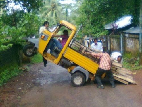運搬している自動車の画像(5枚目)