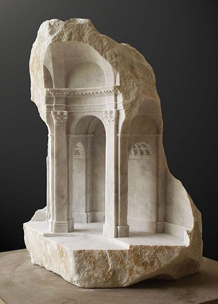 大理石を切り抜いて作った神殿のミニチュア10