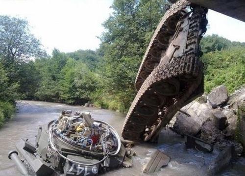 戦車が事故の画像(12枚目)