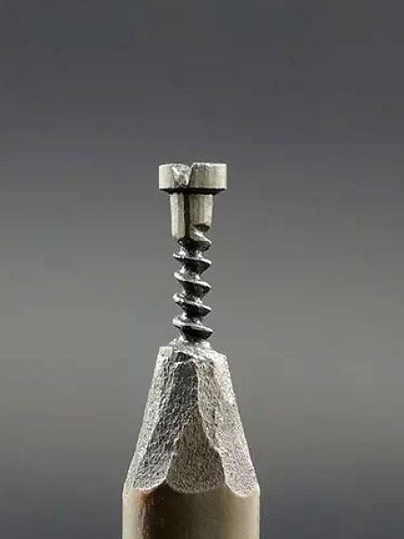新作!?鉛筆の芯で作る彫刻が凄いwwwの画像(8枚目)