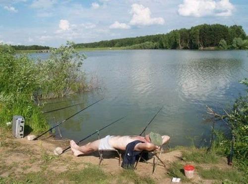 カオスなところで釣りをしている人達の画像(40枚目)
