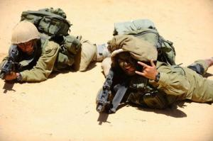 可愛いけどたくましい!イスラエルの女性兵士の画像の数々!!の画像(8枚目)