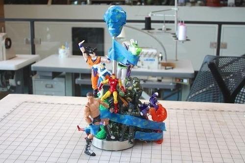 【画像】思い出の玩具で作るカッコいい卓上ライト!!の画像(3枚目)