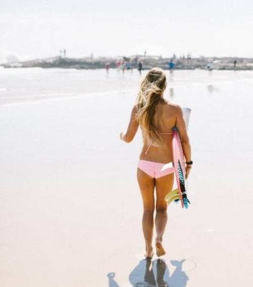 可愛くて魅力的なサーフィンしている女の子の画像の数々!!の画像(46枚目)