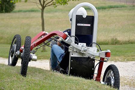 走破性抜群!完全に四輪が独立したカートのような四輪車が凄い!!の画像(2枚目)