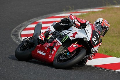 21-yamaha-factory-racing-team-.jpg
