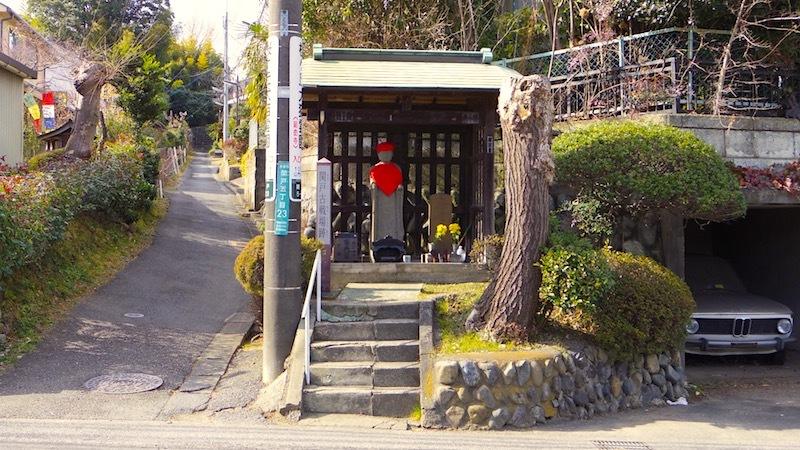 「八郎塚(武将塚・横溝八郎の墓)」