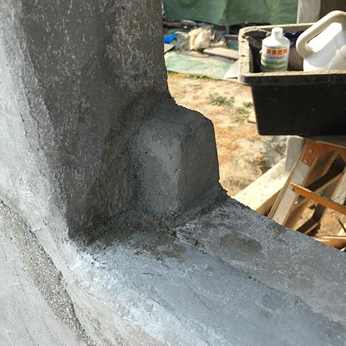 一人で作るブロック小屋⑨ ~ドア枠・窓枠の取り付け~①