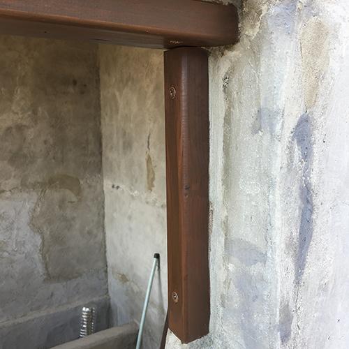 一人で作るブロック小屋⑨ ~ドア枠・窓枠の取り付け~④