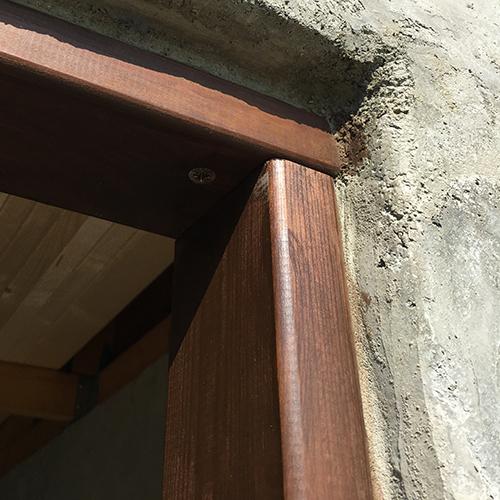 一人で作るブロック小屋⑨ ~ドア枠・窓枠の取り付け~⑧