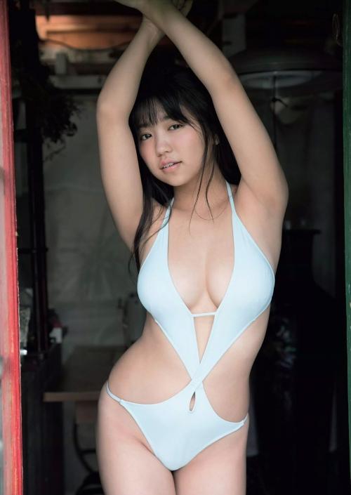 【画像】大原優乃とかいうデカパイ女がとうとう変態水着を着用してしまった件wwwwwwwwww