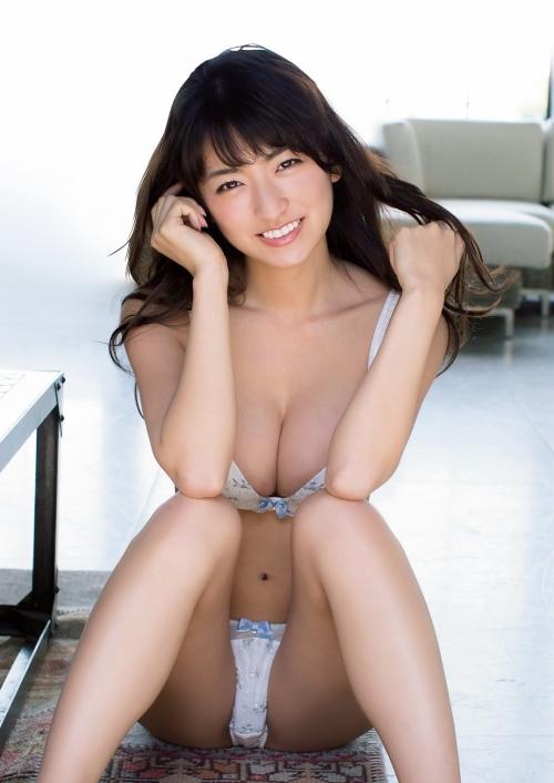 Gカップバストあらわで開脚 「現役女子大生」☆HOSHINO史上最高のグラビア