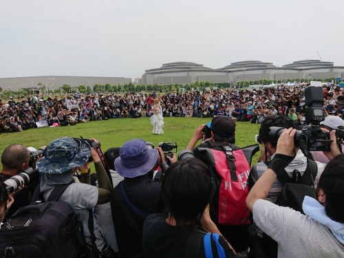 日本一コスプレイヤーえなこの撮影風景が地獄絵図と話題にwww