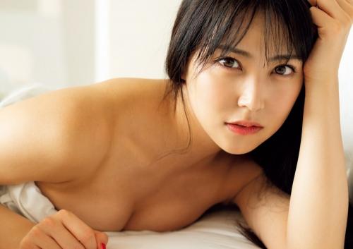 白間美瑠、ベッドの上でランジェリー姿披露 色気溢れる美ボディに「最高にSEXY」「スタイル良すぎ」悶絶の声