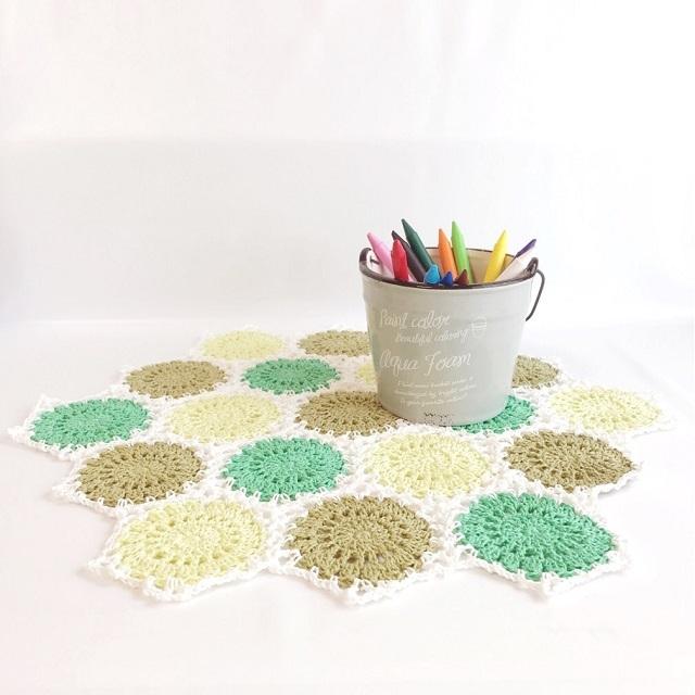 手編み雑貨 HanahanD どっと柄 インテリア 敷物 ドイリー モチーフつなぎ