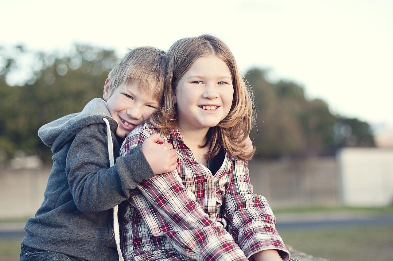 siblings-1997454_1280.jpg