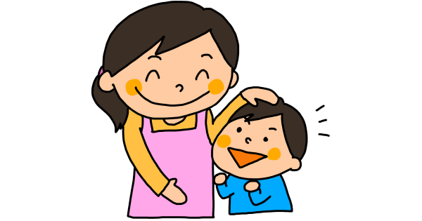 子どもの頭を撫でているお母さん