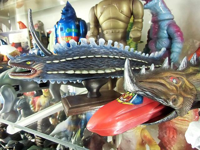 グジラスとガメス