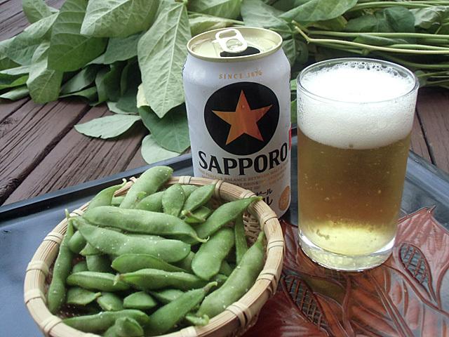 エダマメでビール