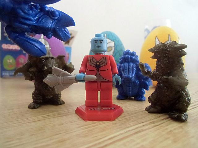 襲い来る怪獣軍団
