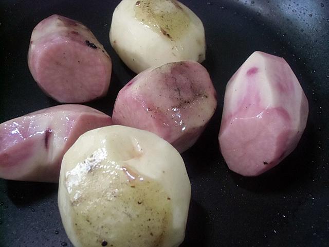 ジャガイモは丸ごとね