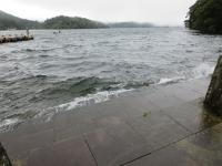 芦ノ湖の大波