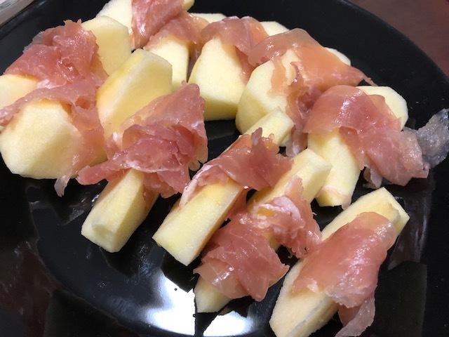 生ハムリンゴ