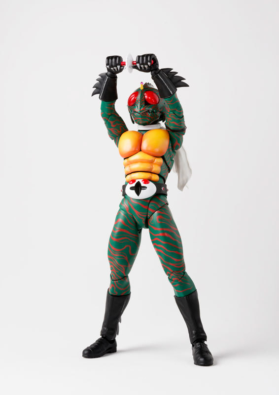 フィギュアーツ 仮面ライダーアマゾン (真骨彫製法) FIGURE-038990_02