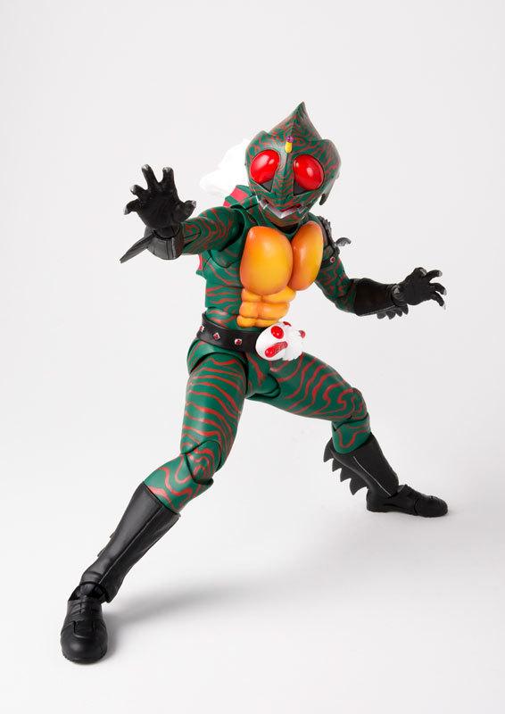 フィギュアーツ 仮面ライダーアマゾン (真骨彫製法) FIGURE-038990_03