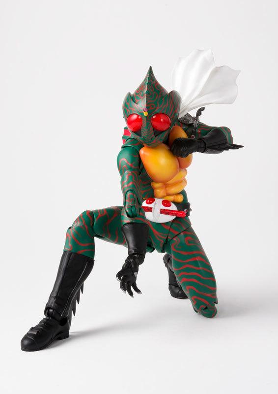フィギュアーツ 仮面ライダーアマゾン (真骨彫製法) FIGURE-038990_04