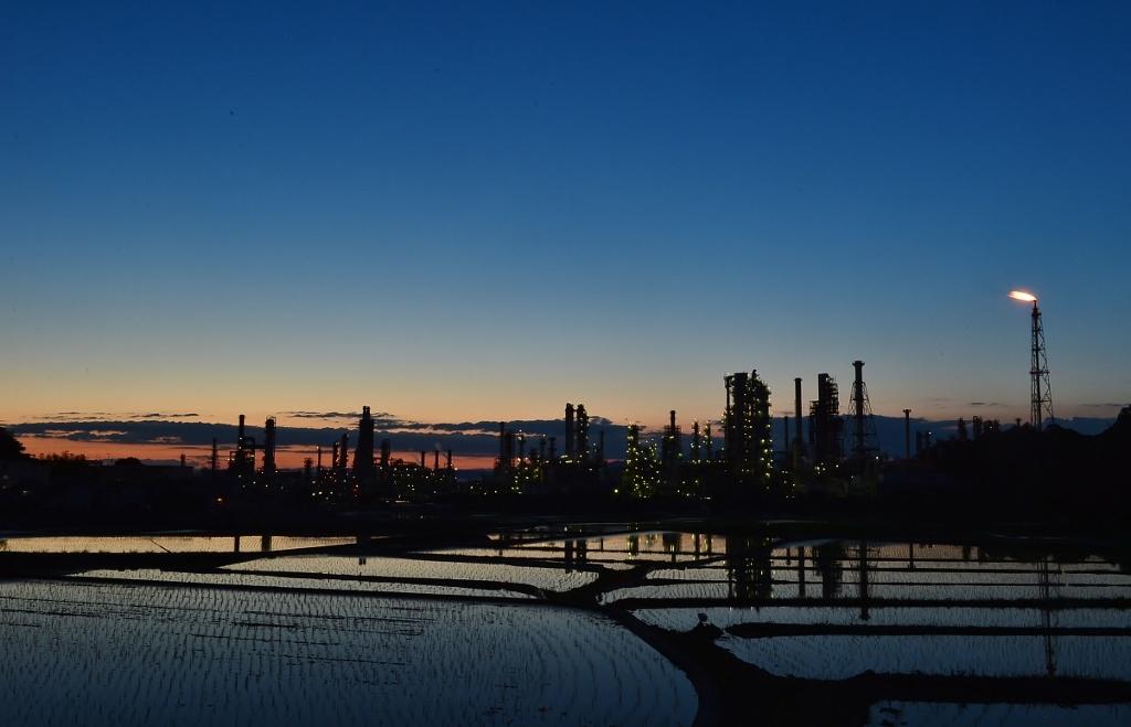太陽石油夜景