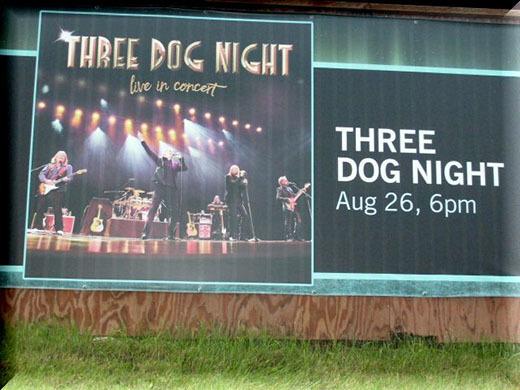 ThreeDogNight2018-08-26BorealisTheatrePalmerAK.jpg
