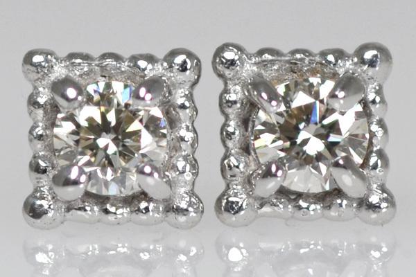 K18WG製ダイアモンドピアス