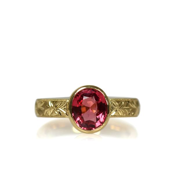18YG製イエローゴールドレッドスピネルリング指輪彫金オーダーメイドジュエリー加工(フジオレンジの彫り)