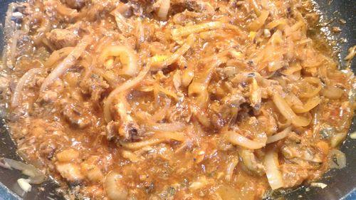デルモンテトマトソースと餃子の皮でラザニア1