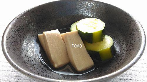 高野豆腐とズッキーニの煮物